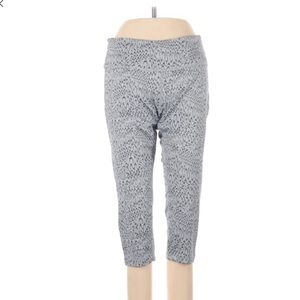 Nike Active Athletic Cropped Leggings Size Small